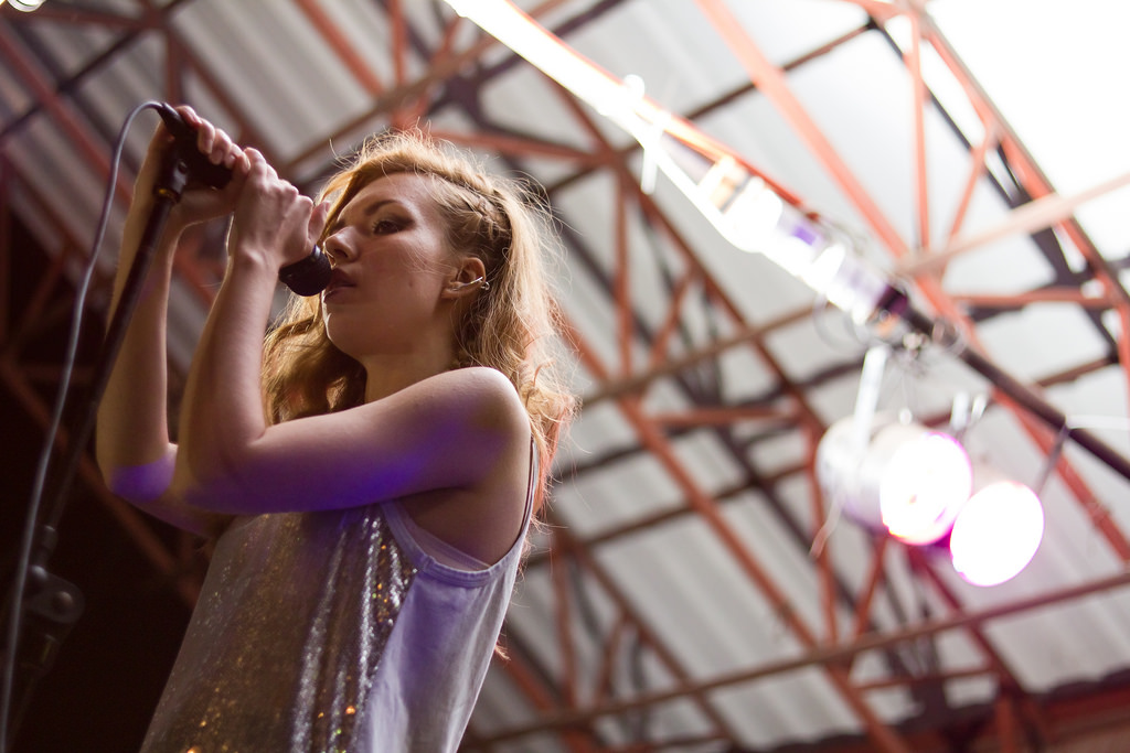 Jelena on the stage – Kiklop Kikloparium